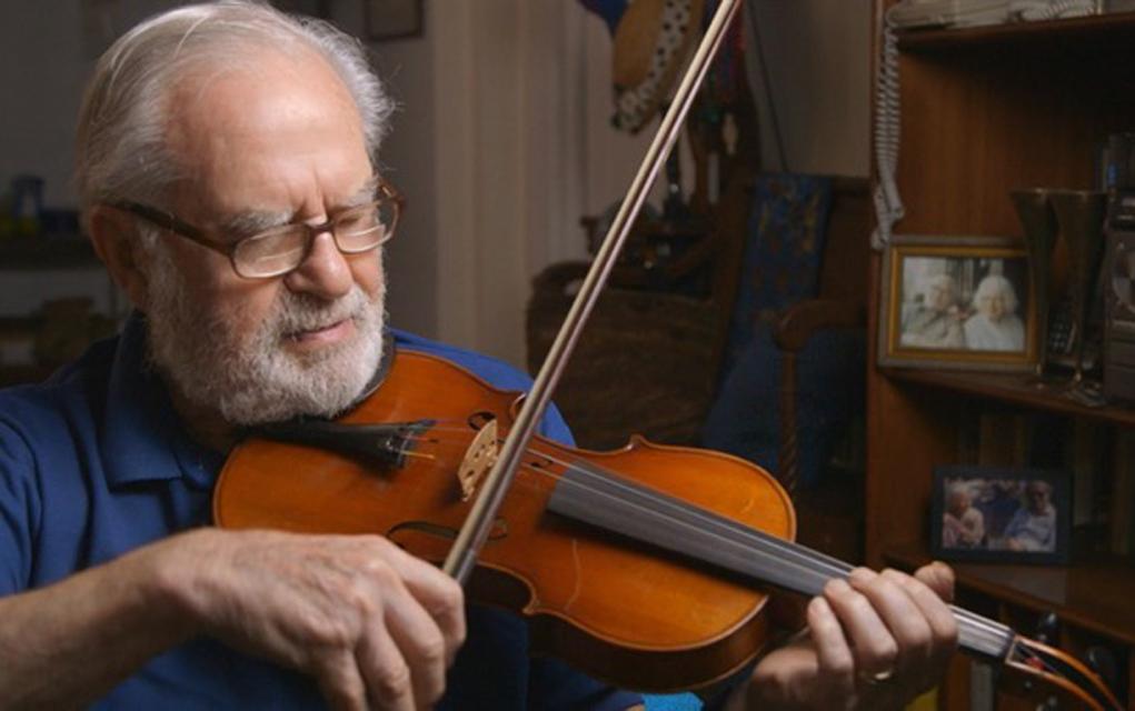 Polish Holocaust survivor Joe Feingold traded cigarettes to get his violin in 1947.